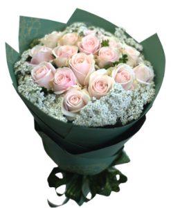 Giây phút mới hoa sinh nhật
