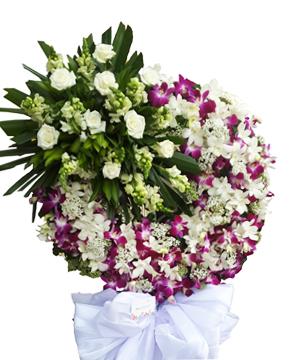 ngậm ngùi vòng hoa tang lễ