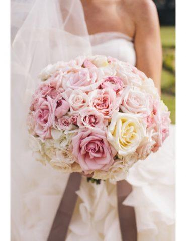 Hoa cầm tay cô dâu trăm năm