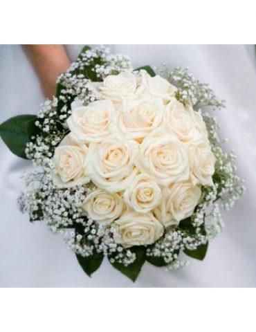 Hoa cầm tay cô dâu bóng dáng
