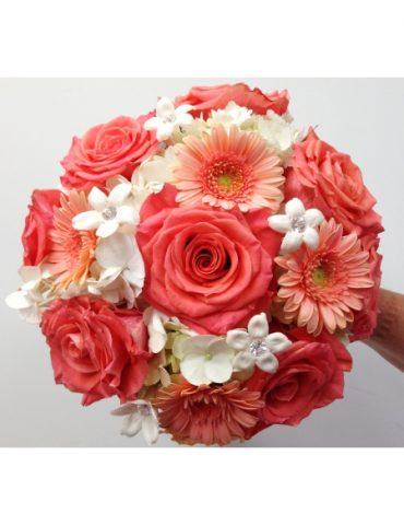 Hoa cưới tràn đầy