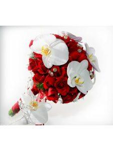 Cách bó hoa cưới cầm tay hoa lan và hoa hồng