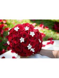 Cách bó hoa cưới tròn hấp dẫn