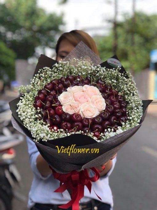 bo-hoa-hong-va-cherry